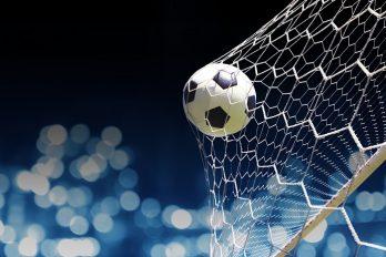 Mercato: handjeklap met voetballers