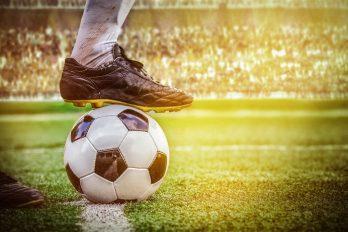 Liverpool houdt hoop op titel, blessures bij Man City